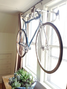 DIY Wall Bike hanger by Kyle the Wilson on Upcycle Fever